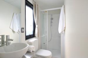 Moda shower room