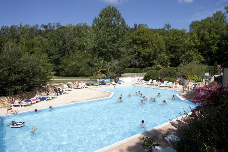 camping-aquaviva-piscine-01-me