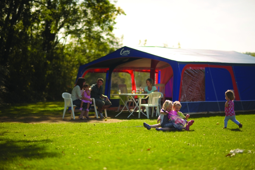 Outdoor living in the Maxi Tent