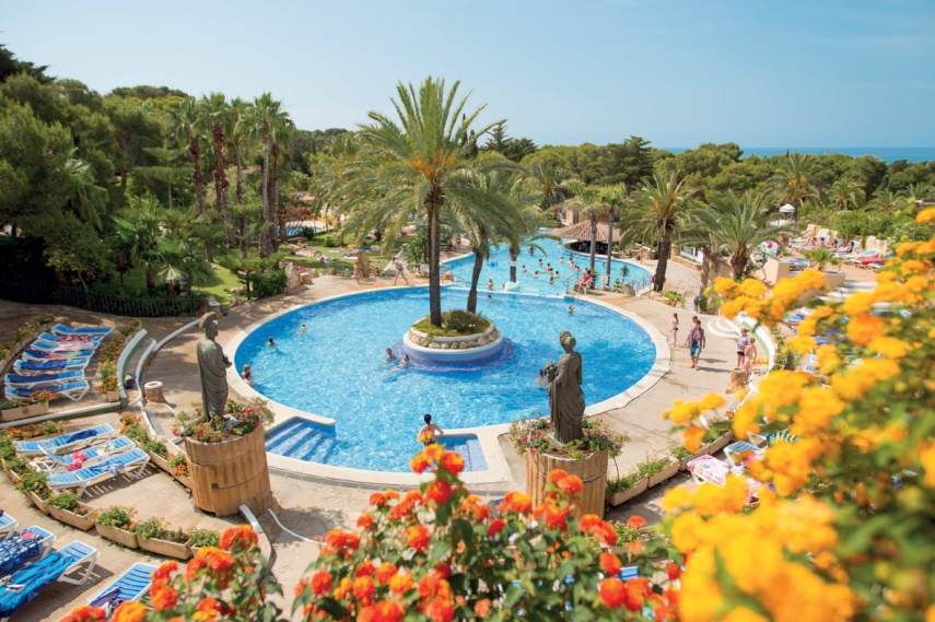 swimming pool, spain, canvas holidays