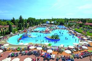 Bella Italia pool overview
