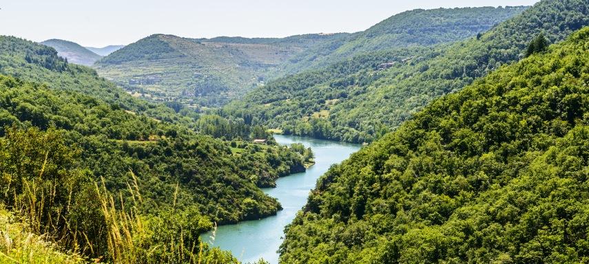 Tarn river between Millau