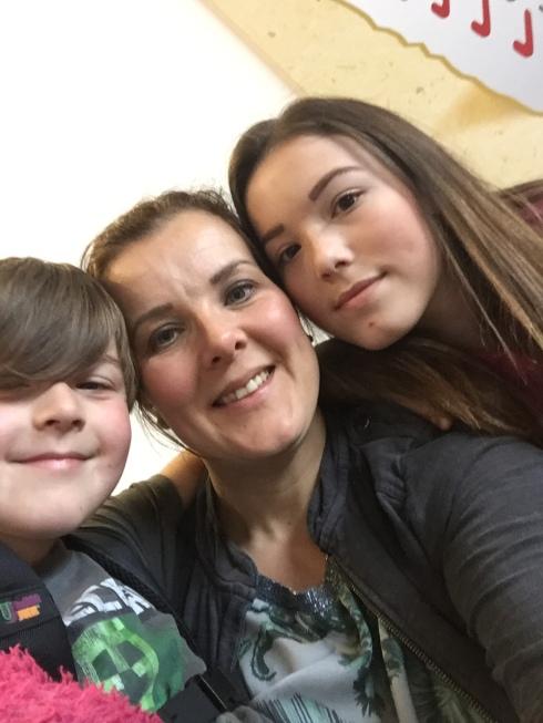 me-kids-selfie