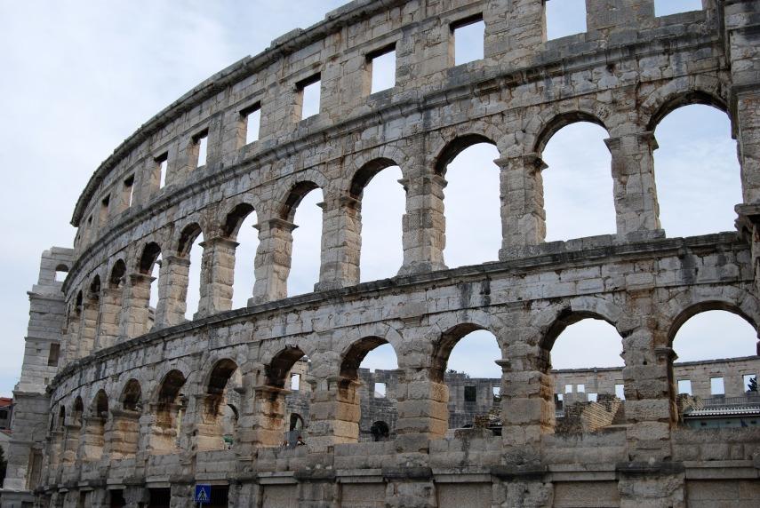 the-coliseum-1658372_1920
